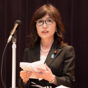 稲田朋美防衛大臣